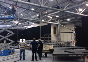 Flying-truss-and-stage-for-Rockup-and-sing (1)