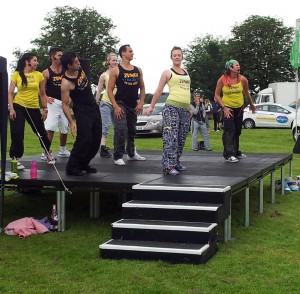 Outdoor-dance-stage (1)